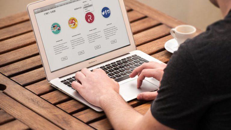 L'aumento dei software o delle applicazioni di traduzione ha reso più facile la traduzione di documenti, contenuti e siti web in diverse lingue